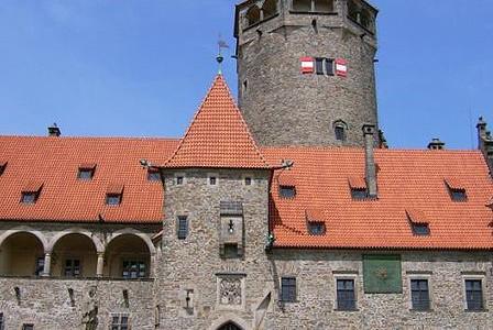 hrad-bouzov-2
