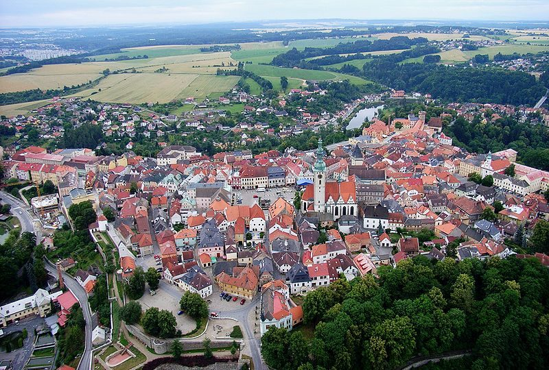Tábor, letecký pohled, zdroj: https://commons.wikimedia.org/wiki/File:Tabor_CZ_aerial_old_town_from_north_B1.jpg, autor: https://cs.wikipedia.org/wiki/Wikipedista:T%C3%A1bor%C3%A1k